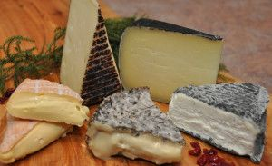 Holiday-Cheese-Board